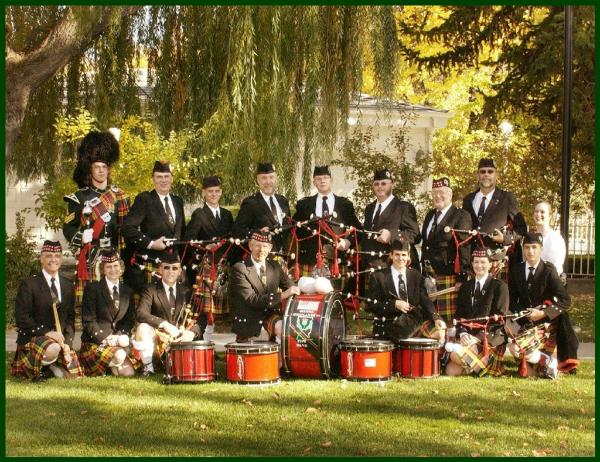 Sierra Highlanders Pipe Band in the back yard of the Governor's Mansion - October 2002